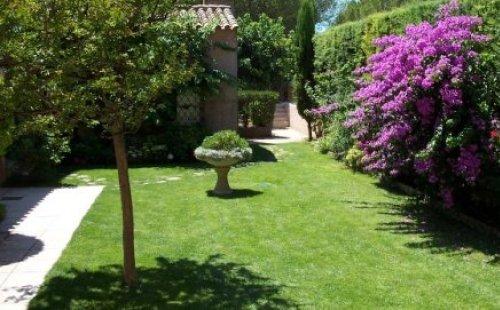 Les jardins de cassis hotel cassis r servez au meilleur - Les jardins de cassis ...