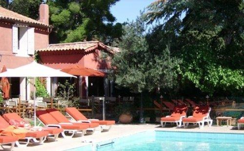 Les jardins de cassis hotel cassis r servez au meilleur for Meilleur comparateur de prix hotel